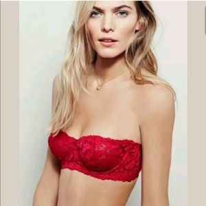 Free People Strapless Bar. Size 32B. NWT. $50